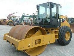 Каток Caterpillar CS54 XT